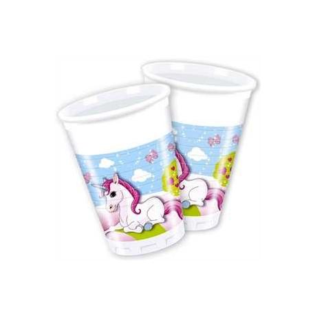 Vasos de unicornio en castillo